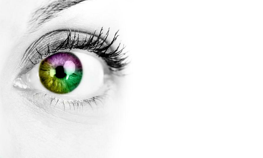 UV neon kontaktlencse: Légy Te a party középpontja!